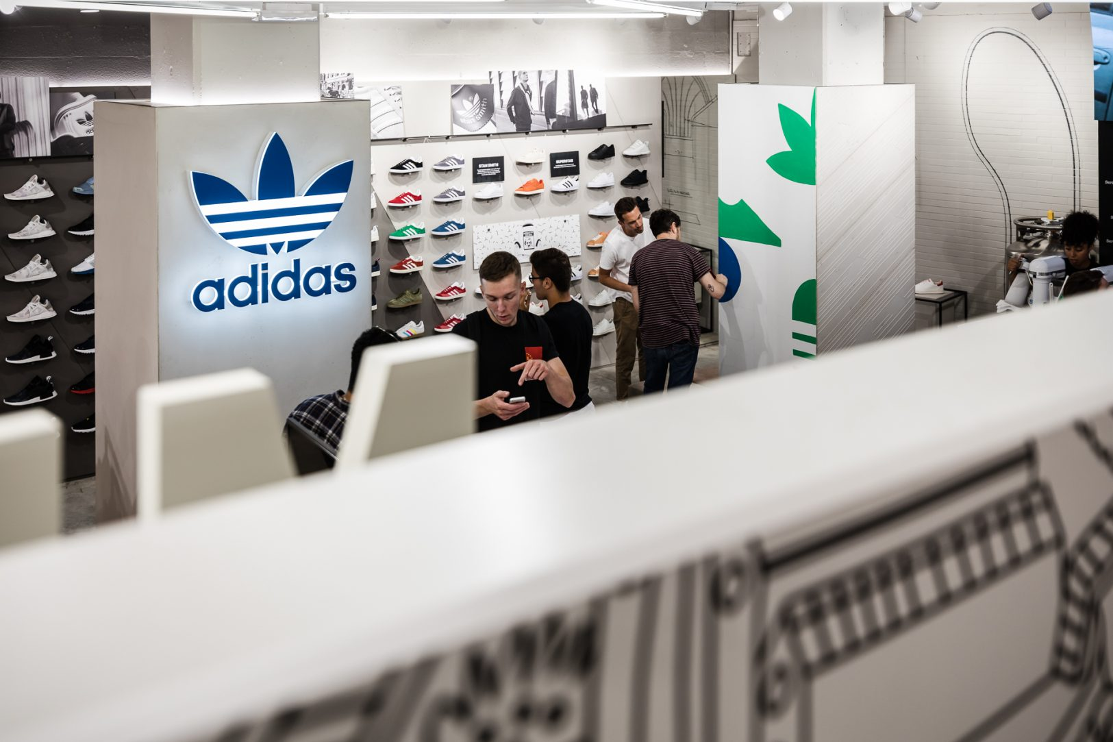 20170708-Retail3D-Adidas-GraphCitadiumCE-13